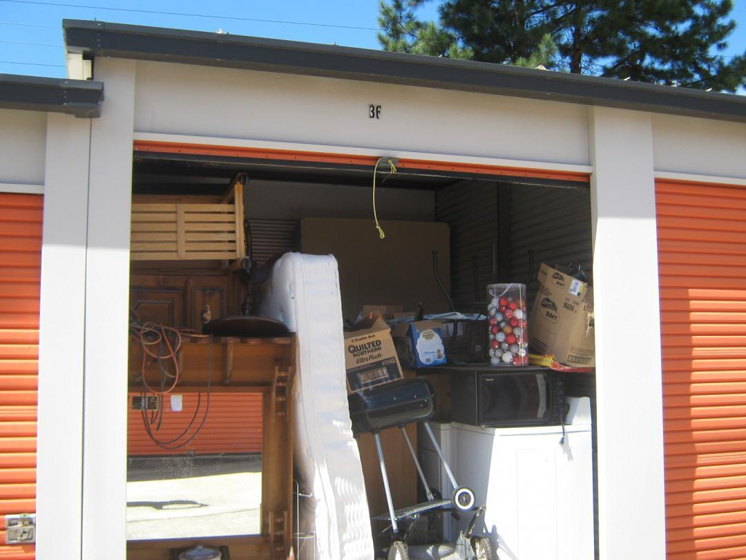 Difference Between Online in Person Storage Auctions